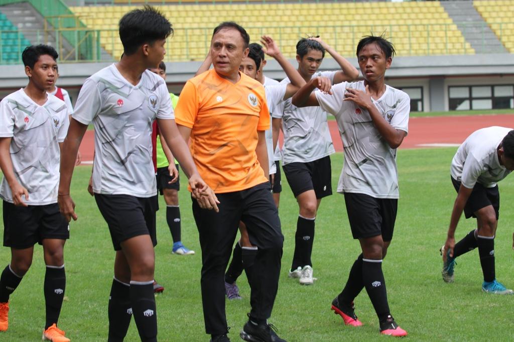 Kunjungan Ketua Umum PSSI ke TC Timnas U-16