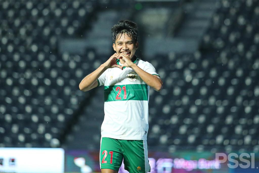 Potret Aksi Penggawa Garuda saat mengalahkan Taiwan 0-3.