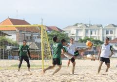 Jelang Turnamen, Timnas Sepak Bola Pantai Matangkan Strategi