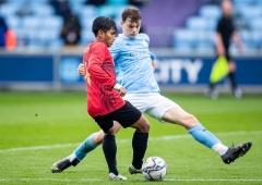 Dennis Wise Sebut Garuda Select Banyak Belajar dari Manchester City